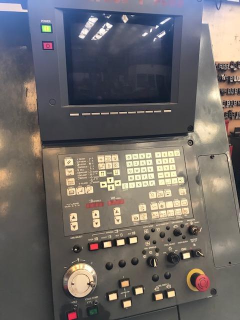 Токарный станок с ЧПУ MAZAK SQT 200